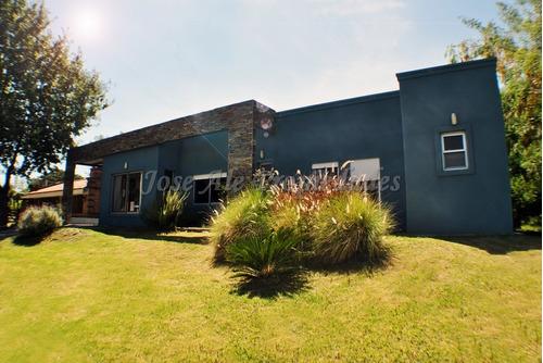 En Venta - Hermosa Casa En Real De San Carlos