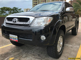 Toyota Hilux Kavak 4x4 - Automática