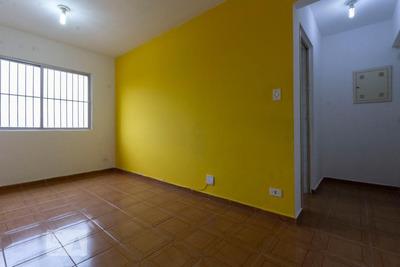 Apartamento No 8º Andar Com 2 Dormitórios E 1 Garagem - Id: 892929676 - 229676