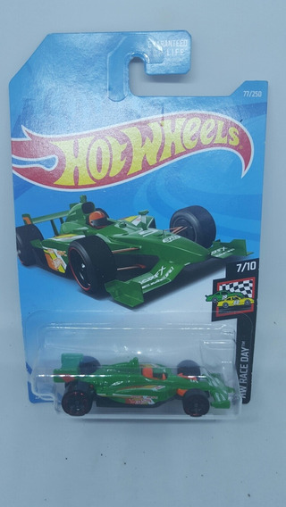Hot Wheels 500 Oval Indy Race Day Carrito A Escala