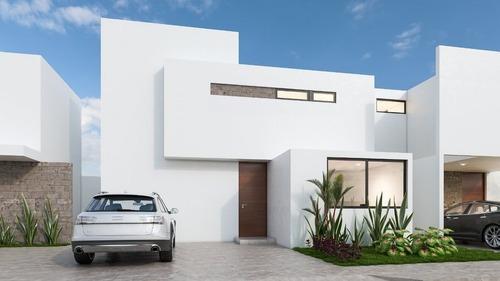 Otavia, Casa En Venta En Privada En Conkal Norte De Merida