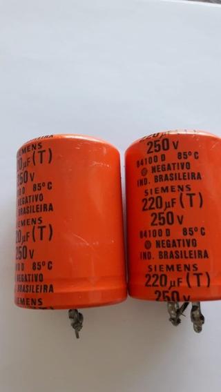 Capacitor Eletrolítico Siemens 220uf/250v