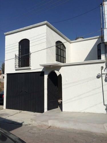 Hermosa Casa Remodelada En Venta Ubicada En Loma Bonita !!