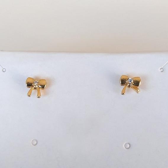Brinco Prika Formato Lacinho Banhado A Ouro Com Pedra De Zir