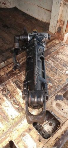 Imagem 1 de 4 de  Perfuratriz De Coluna Atlas Copco