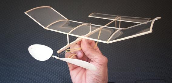 Avião P-25 A Elastico, Voo Livre (madeira Balsa) 25cm Env..