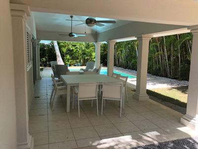 Punta Cana Village Villa En Alquiler Con Piscina