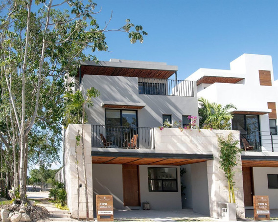 Lujosa Casa De Cuatro Habitaciones De Doble Terraza En Venta En Playa Del Carmen