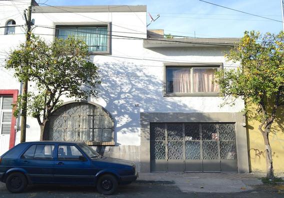 Casa En La Colonia Moderna