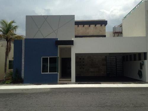 Venta De Casa Residencial, Las Palmas, Fraccionamiento Arboledas