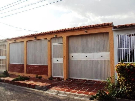 Casa En Venta Urb Villas De Aragua Maracay/ 20-7009 Wjo