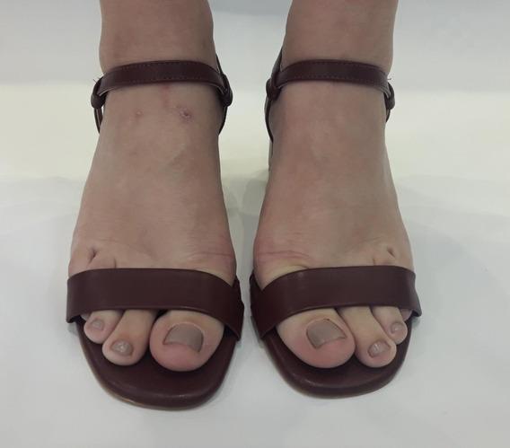 Sandália Tira Básica