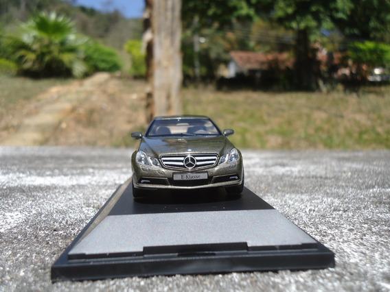 Miniatura De Veículo Mercedes Benz E Klasse Coupé Escala 1;4