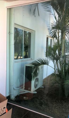 Imagem 1 de 1 de Remanejamento E Instalação De Ar Condicionado Bi Split