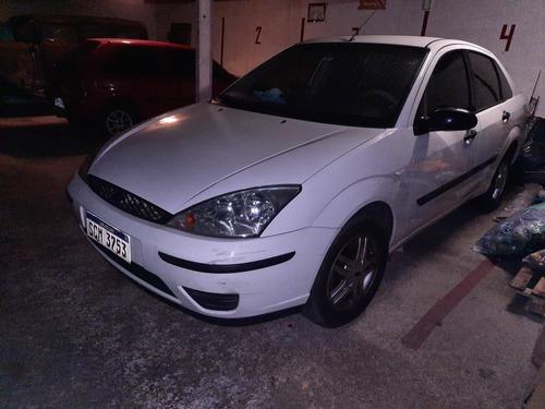 Ford Focus 2004 2.0 Ghia