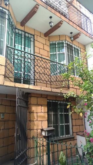 Bonita Casa Sobre Av. Guelatao En Iztapalapa