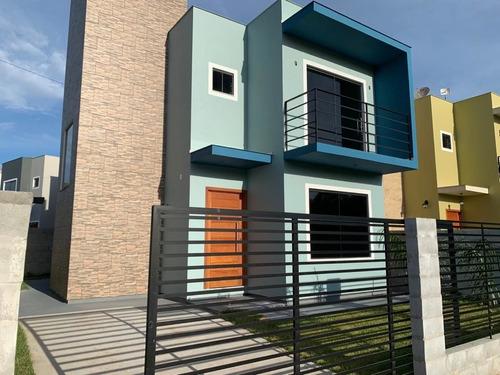 Casa Sobrado À Venda Em Garopaba/sc - Kv792