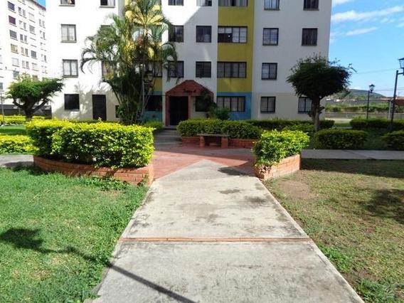 Apartamento En Alquiler La Pastorena Barquisimeto 20-6253 Rr