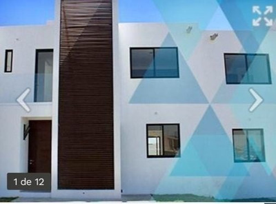 Amplia Casa Frente Área Verde, 3 Recamaras Puerta Eléctrica