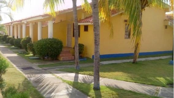 En Venta Casa Quinta, En Ciudad Flamingo Estado Falcón 70m2