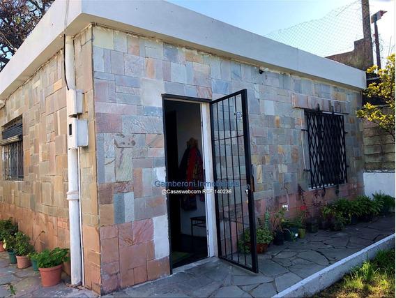 Casa En Venta En Maroñas A 1 Cuadra De Gral. Flores