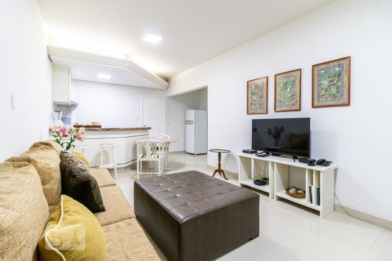Studio No 10º Andar Mobiliado Com 1 Dormitório E 1 Garagem - Id: 892947878 - 247878
