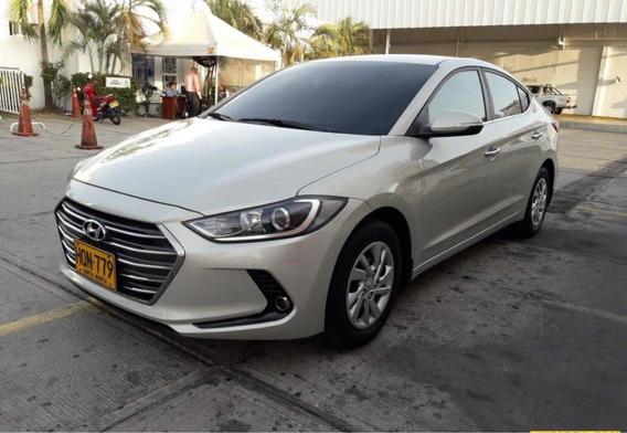 Hyundai Elantra Advance Mecánico