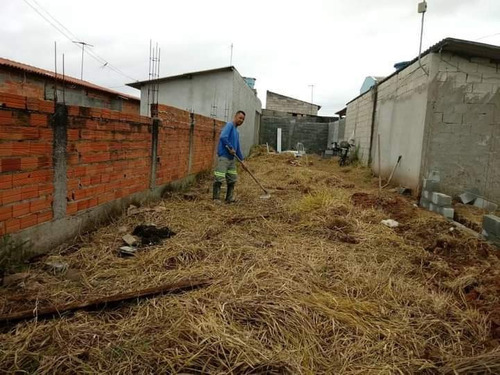 Imagem 1 de 1 de Limpeza De Terrenos Em Geral