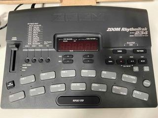 Máquina De Ritmos Zoom 234 Rhythmtrak