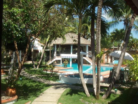 Villa/condominium 2 Habs. + 2 Baños Amueblada En Boca Chica