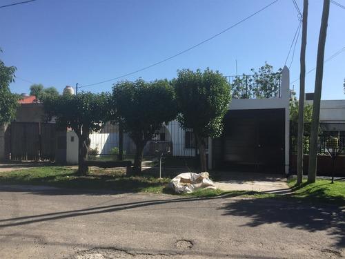 Imagen 1 de 10 de Casa Con Dos Dormitorios En Venta En Ituzaingo Norte
