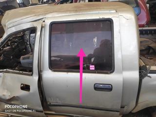 Vidro Porta Traseira Esquerda Hilux Sr5 Original Logo