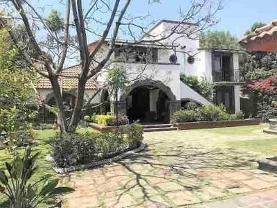 Hermosa Residencia Con Jardines, Estilo Mexicano