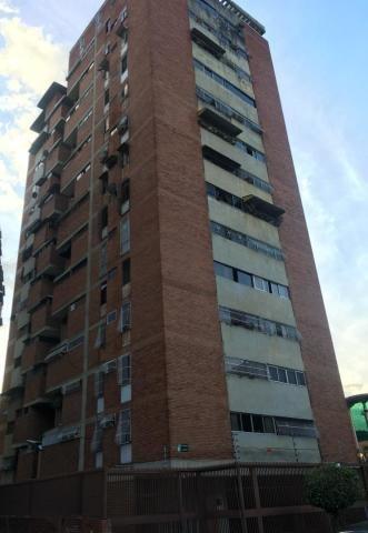 Apartamento, En Venta, Clnas De Bello Monte, Mls 19-10184
