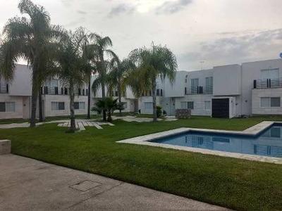 Av Los Prados Conjunto Lirios Casa, Oacalco