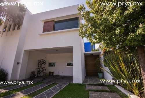 Casa En Venta En Los Olivos Residencial Zapopan A Un Costado Del Tec Monterrey