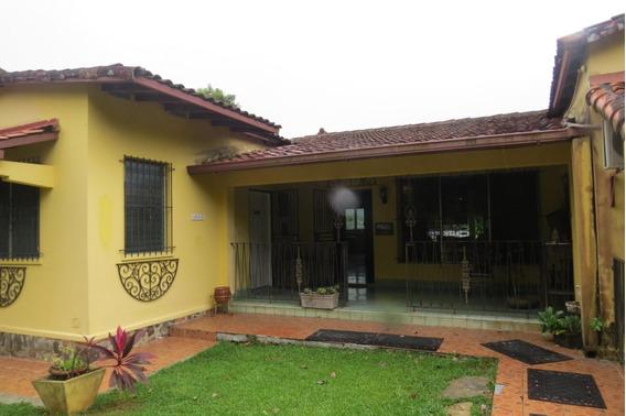 Casa En Venta #19-2170hel** En Las Cumbres