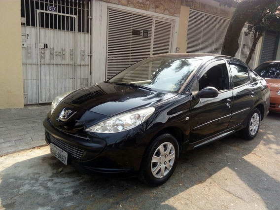 Peugeot 207 Passion 1.4 Xr 10 Anos Flex 4p 2011