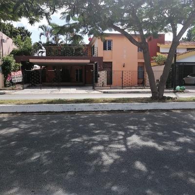 Renta Casa Sobre Avenida Yucatan Ideal Para Oficinas