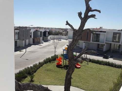 Circuito De Los Agaves, Travertino Residencial