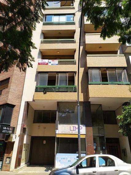 Departamento En Alquiler En Nueva Córdoba De 3 Dormitorios,c/cochera. No Estudiantes