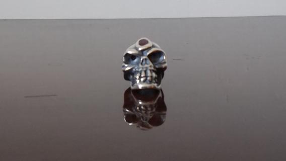 Dije Artesanal De Plata .925 Cráneo Con Rubí Incrustado