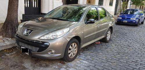 Vendo Peugeot 207 Modelo 2011 - 1.4 Xs