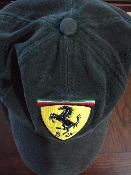 Gorra Negra De La Marca Ferrari Original