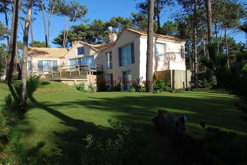 Alquiler Casa De 5 Dormitorios En Laguna Blanca Manantiales- Ref: 18446
