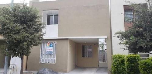 Casa En Renta En Capellania Residencial