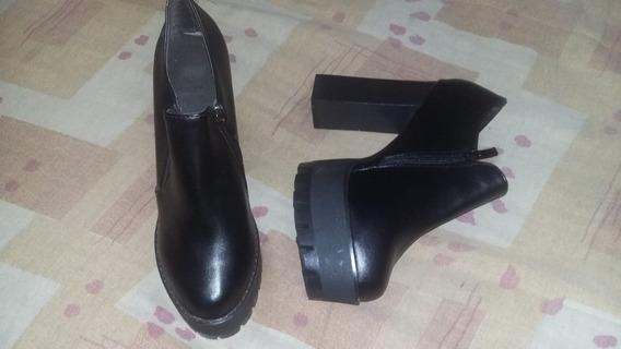 Zapatos De Cuero, Talle 39, Sin Nada De Uso.