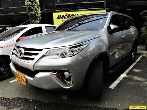 Toyota Fortuner 24l Street