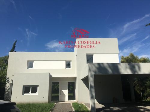 Imagen 1 de 14 de Casa En Venta A Estrenar  .country Club La Pelegrina