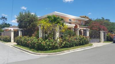 Casa Residencial Con Jacuzzi Y Seguridad 24/7 (rmc-139)